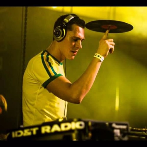DJ Tiesto Dutch Dimension 02-02-2002 (7 hour set)