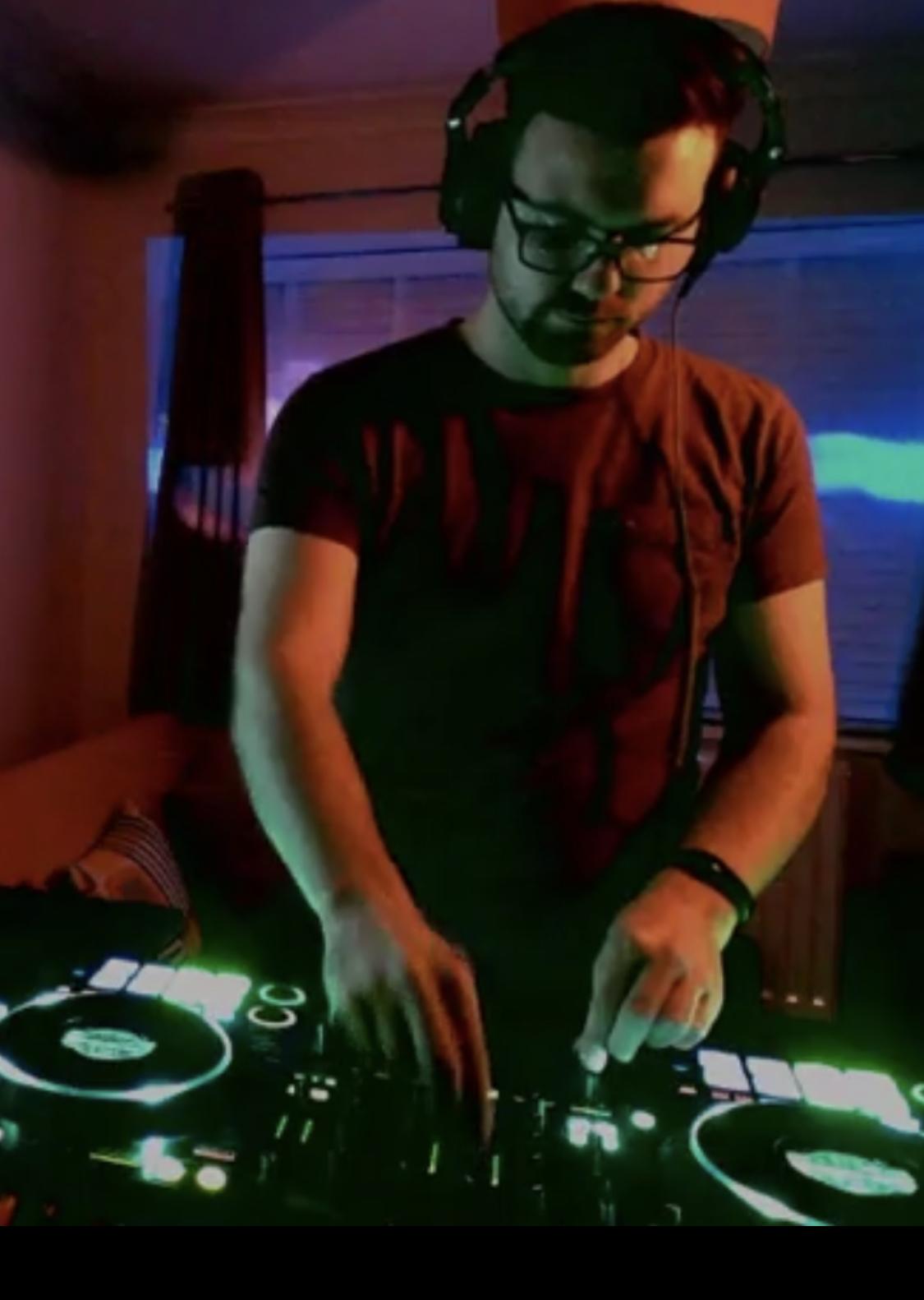 DJ Mac Neil